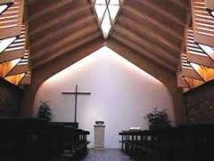 eglise évangélique libre 85 rue d' alésia intérieur.jpg