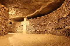 les catacombes de paris,place denfert- rocherau,barrière d' enfer