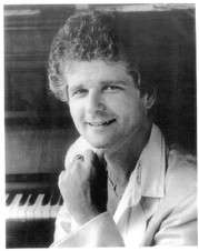 Ian Honeyman chanteur ténor et pianiste.jpg