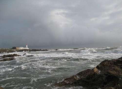 les cieux et les flots le jour du départ du Vendée Globe photo M Belin].JPG