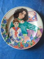 Salon des artistes peintres et scupteurs témoins du 14ème assiette en porcelaine de Marie-Lize Gall.jpg