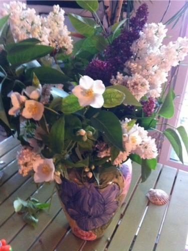 lilas et seringua bouquet offert par marie Belin avril 2015.jpg