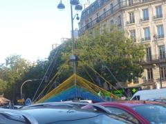 place d'alésia sculpture  de fils plasique oct 2016. 4.jpg