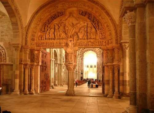 saint pierre de monrouge,vezelay,bustarret,conférence