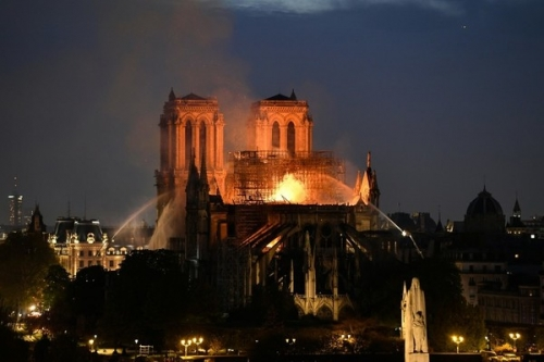 incendie de Notre-Dame.jpg