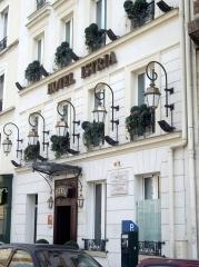 Rue Campagne-Première, Hôtel Istria,Paris 14.jpg