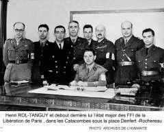 rol-tanguy et l'état major des FFI dans les Catacombes -.jpg