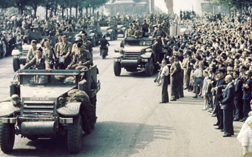 la libération de paris 25 août 1944.jpg
