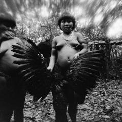 fondation cartier pour l'art contemporain Claudia Andujar La Lutte Yanomami 2020-098.jpg
