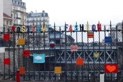 tricot graffiti rue des Dames à Paris.jpg