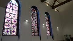 Temple protestant intérieur et vitraux 95 rue de l 'Ouest.png