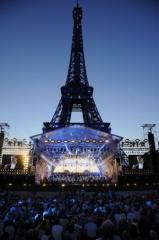 concert 14-juillet paris-tour-eiffel-champs-de-mars.jpg