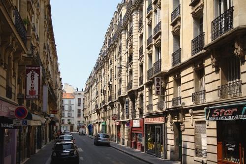 1280px-Paris_rue_poirier_de_narcay.jpg