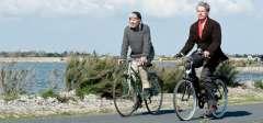 Alceste à bicyclette Lambert Wilson et Fabrice Luchini à vélo.jpg