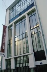 la Fondation Henri Cartier Bresson le-lieu-facadeFondation_FRM-.jpg