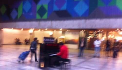 Emporter quelques notes de musique dans ses  bagages...  photo Marie Belin.JPG