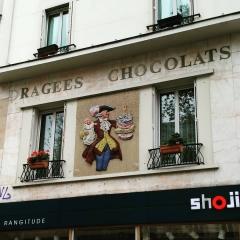 enseigne Martial  avenue du général Leclerc 51 photo plus récente avec fenêtres fleuries .JPG