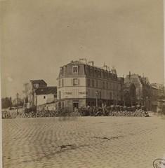 la commune de paris dans le 14ème barricade place denfert rochereau.jpg