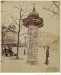 Atget_Eugène Place_Denfert-Rochereau 1898 Colonne_..jpeg