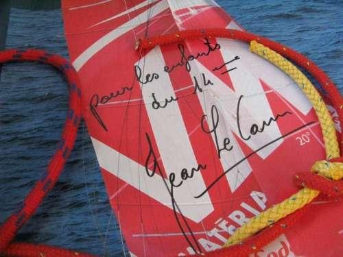 Vendée Globe dédicace aux enfants du 14ème photo Marie Belin.JPG