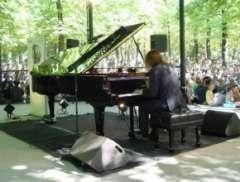 Chopin_au_Jardin_du_Luxembourg_2011.jpg