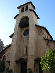 Église_Notre-Dame-du-Rosaire_(Paris 14).jpg