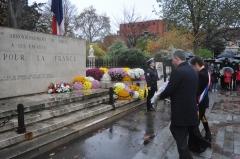 18 juin cérémonie au monument aux morts square ferdinand brunot.jpg
