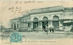 Gare Denfert-Rochereau de la ligne de  Sceaux Place Denfert Rochereau.JPG