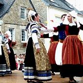 FIAP danse bretonne 6 juillet 2016.jpg