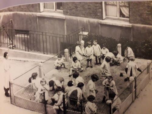Jardin d'enfants Cité du Souvenir.jpg