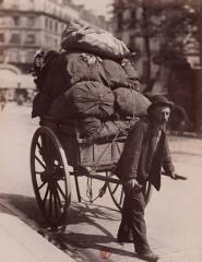 Chiffonnier vers 1899.jpg